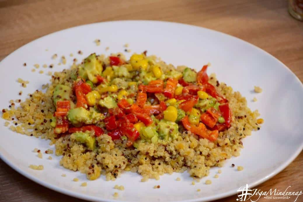 Avokádós vöröslencsés quinoa 30 perc alatt - Jóga Mindennap egészséges gyors recept, tálalás