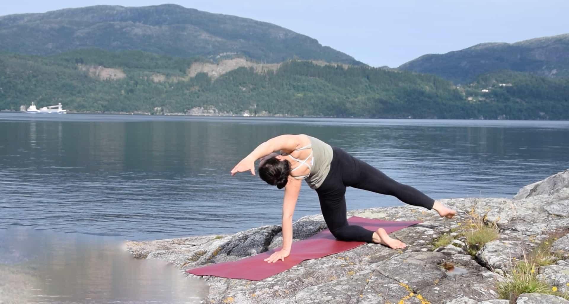 Gerincátmozgató jóga Norvégiában_FreshUp Ági_Jóga mindennap